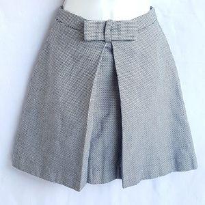 Loft A line skirt, size 00P, great condition.